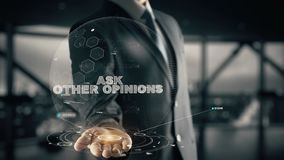 Chieda altre opinioni con il concetto dell'uomo d'affari dell'ologramma Immagini Stock Libere da Diritti