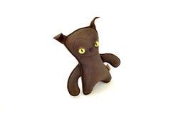 Chien en cuir bourré de moyen de jouet handcrafted par coutume - laissé Photographie stock libre de droits