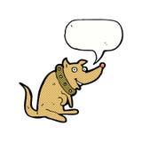 chien heureux de bande dessinée dans le grand collier avec la bulle de la parole Photo libre de droits