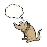 chien heureux de bande dessinée dans le grand collier avec la bulle de pensée Photographie stock