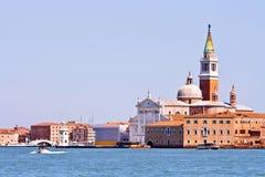 Chiesa al grande canale a Venezia Fotografie Stock Libere da Diritti
