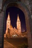Chiesa alla notte Immagini Stock Libere da Diritti