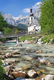 Chiesa in alpi Fotografie Stock Libere da Diritti