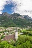 Chiesa in alpi Vecchia chiesa nelle alpi del Liechtenstein Mountain View Immagine Stock Libera da Diritti