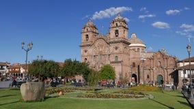 Chiesa antica nel quadrato principale di Cusco del centro Immagine Stock Libera da Diritti