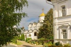 Chiesa antica in Suzdal Il ` dorato dell'anello del ` della Russia Immagine Stock Libera da Diritti