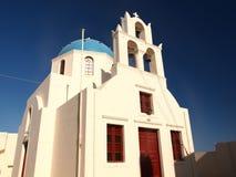 Chiesa blu della cupola di Santorini Fotografie Stock