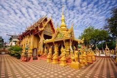 Chiesa buddista dell'oro Fotografia Stock