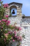 Chiesa con lo steeple Fotografia Stock Libera da Diritti