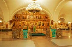 Chiesa cristiana all'interno Immagini Stock