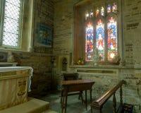 Chiesa del ` s di St Paul e di St Peter - vetro macchiato dell'altare Fotografia Stock Libera da Diritti