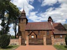 Chiesa del villaggio in Polonia, Brzezno Szlacheckie fotografie stock libere da diritti