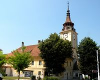 Chiesa del villaggio Sanpetru (Mons Sancti Pétri), vicino a Brasov (Kronštadt), Transilvania, Romania Fotografia Stock
