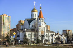 Chiesa dell'icona di Kazan della madre del dio Reutov, regione di Mosca Fotografia Stock