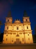 Chiesa della cattedrale delle torrette a nignt Fotografie Stock Libere da Diritti