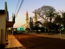 Chiesa della cittadina sul parco immagine stock libera da diritti