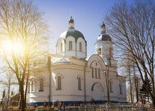 Chiesa della festività dell'incrocio, del diciannovesimo secolo e del resti del cimitero gettato Il villaggio Opolye, 100 chilome Immagine Stock Libera da Diritti