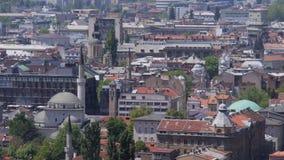 Chiesa della moschea del paesaggio di Sarajevo stock footage