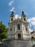 Chiesa della st Mary Magdalene a Karlovy Vary immagini stock