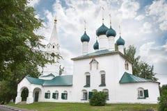 Chiesa della trasfigurazione sulla città fotografia stock