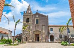 Chiesa della trinità santa, nel ² di Agrà del ` di Forza d, città pittoresca nella provincia di Messina, Sicilia, Italia del sud fotografia stock libera da diritti