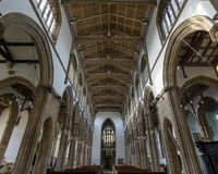 Chiesa della vista del soffitto di St Cuthbert Nave dall'altare Fotografie Stock