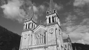 Chiesa di attesa e nera immagine stock