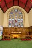 Chiesa di Cristo - altare e vetro macchiato Fotografie Stock