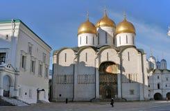 Chiesa di Dormition in Cremlino di Mosca Luogo del patrimonio mondiale dell'Unesco Fotografia Stock Libera da Diritti