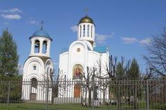 Chiesa di Dormition della madre del dio e del campanile Immagini Stock