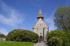 Chiesa di Fana in Norvegia durante l'estate immagini stock