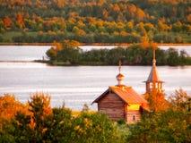 Chiesa di legno completamente fatta di legno fotografie stock libere da diritti