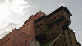 Chiesa di legno del mattone antico archivi video