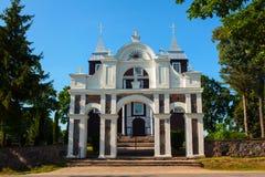 Chiesa di legno della provvidenza divina in Antazave, Lituania fotografie stock