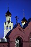 Chiesa di notte fotografie stock libere da diritti