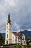 Chiesa di parrocchia cattolica in riezlern immagine stock libera da diritti