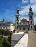 Chiesa di parrocchia del centro urbano Fotografia Stock