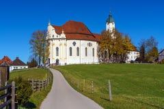 Chiesa di pellegrinaggio di Wies Wieskirche in alpi, Baviera, Germania Fotografie Stock Libere da Diritti