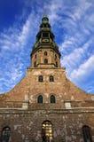Chiesa di Peters del san alla vecchia città di Riga - Latvia Fotografia Stock Libera da Diritti