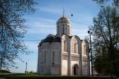 Chiesa di pietra bianca in Vladimir fotografie stock libere da diritti