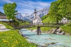 Chiesa di Ramsau, terra di Berchtesgadener, Baviera, Germania Fotografia Stock