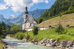 Chiesa di Ramsau vicino a Berchtesgaden in alpi bavaresi tedesche Immagine Stock Libera da Diritti
