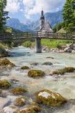 Chiesa di Ramsau vicino a Berchtesgaden in alpi bavaresi tedesche Fotografia Stock