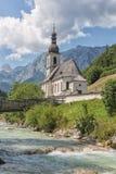 Chiesa di Ramsau vicino a Berchtesgaden in alpi bavaresi tedesche Fotografia Stock Libera da Diritti