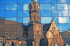 Chiesa di riflessione immagini stock libere da diritti