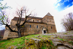 Chiesa di Romanesque in Romania fotografia stock