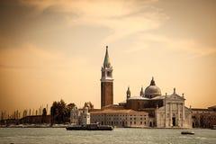 Chiesa di San Giorgio Maggiore och klockatorn Royaltyfri Foto