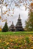Chiesa di San Nicola dal villaggio di alta isola e la chiesa della natività del villaggio Peredki Immagine Stock Libera da Diritti