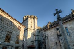 Chiesa di Santa Maria la Mayor a Pontevedra Spagna Incrocio di pietra dell'entrata Fotografia Stock