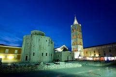 Chiesa di St.Donatus nell'ambito dell'indicatore luminoso verde fotografia stock